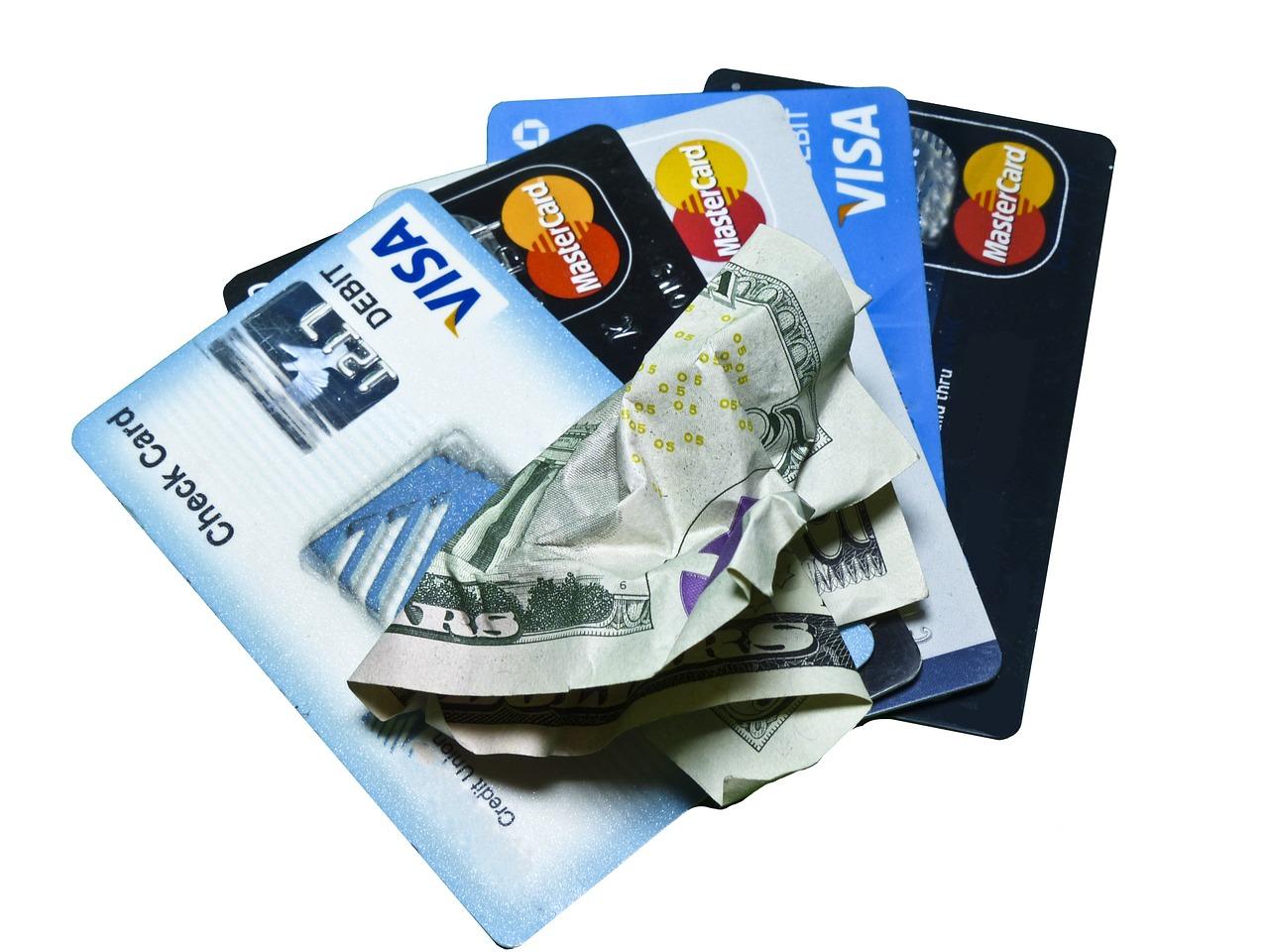 消費者金融やカードローンの借金は審査に影響する