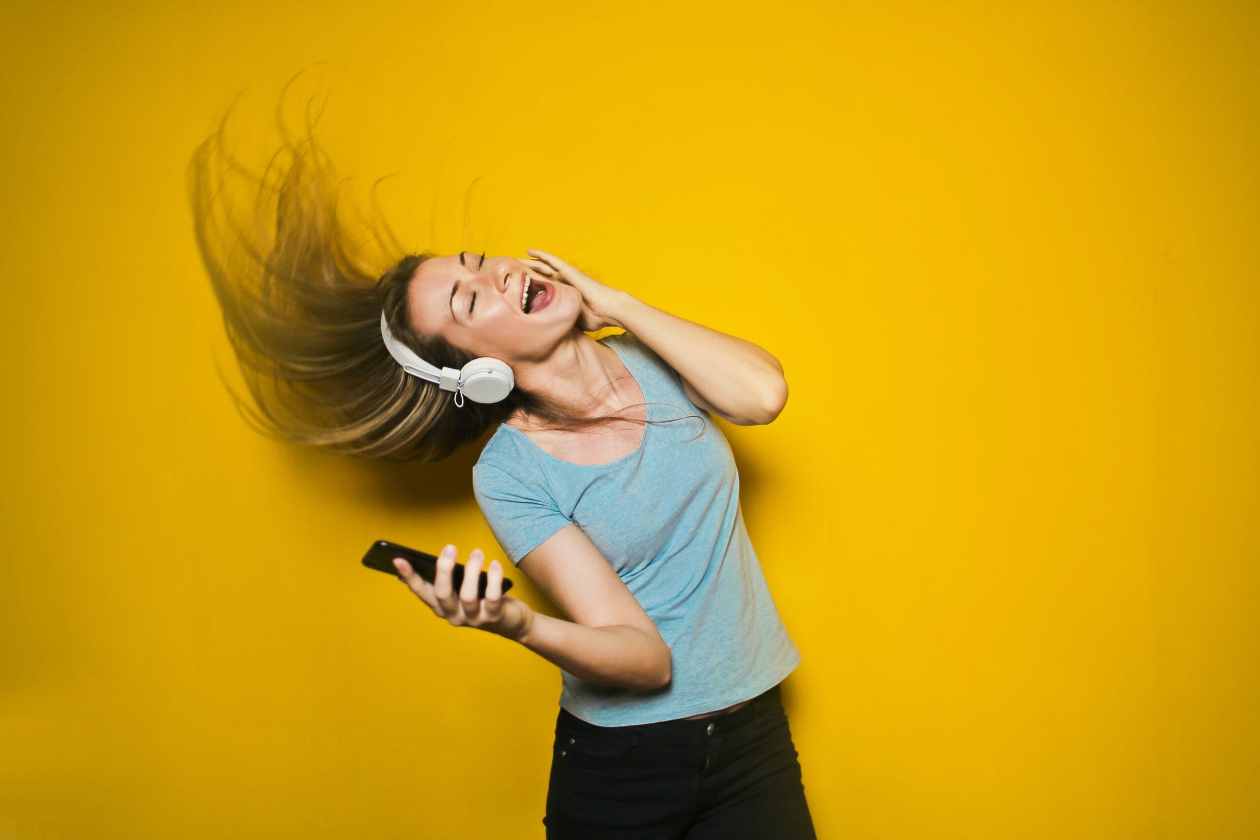 著作権を侵害している「踊ってみた」「歌ってみた」に管理の動き