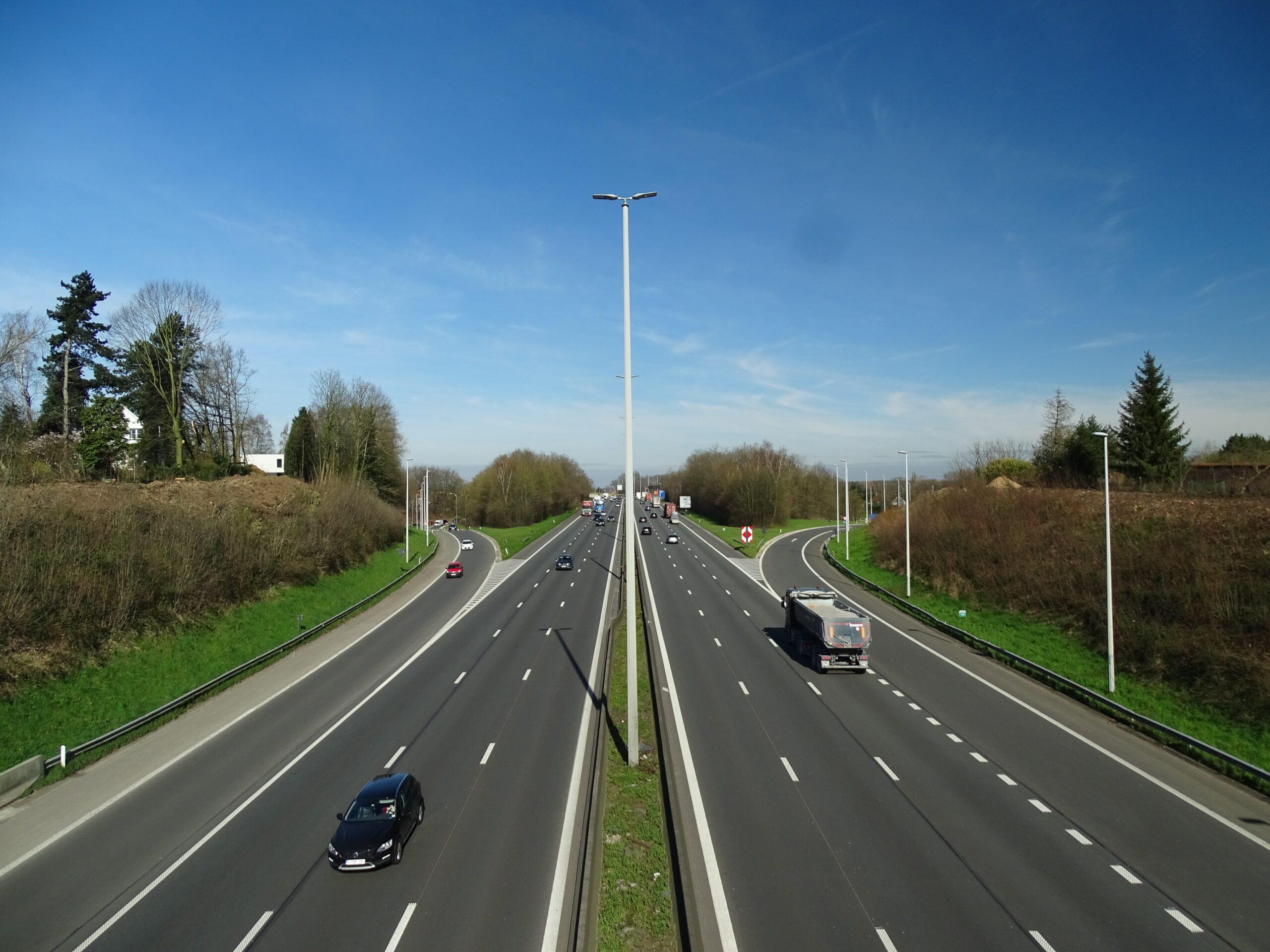 2065年までを期限とする高速道路の有料期間が再延長される見通し