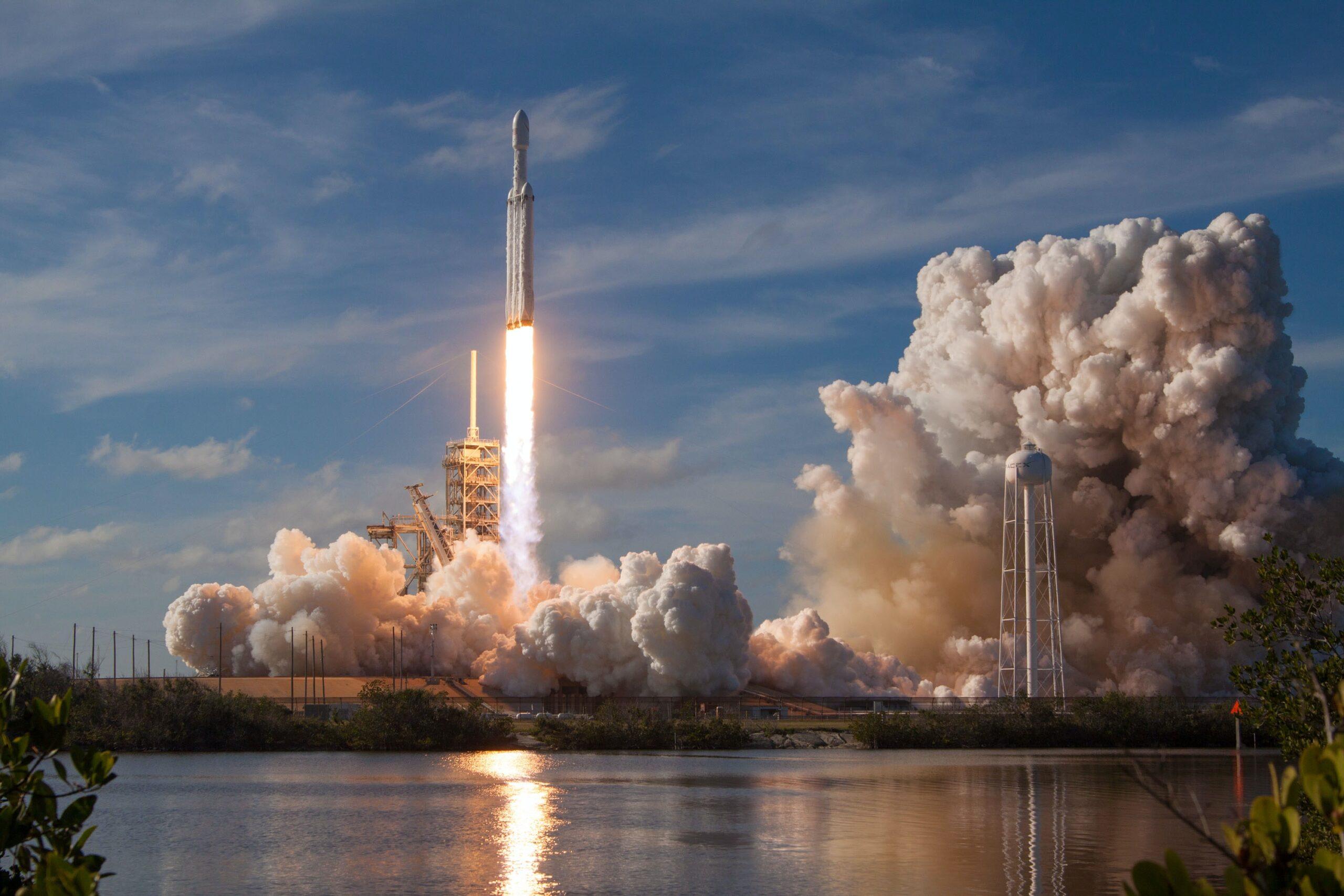 ホンダが人工衛星を打ち上げる事業に参入!空飛ぶ車も・・・